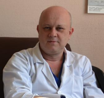Заведующий 2 хирургическим отделением – к.м.н. Рустам Зуфарович Альбеков.