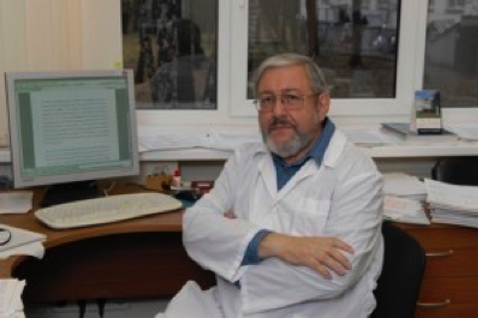 Заведующий – Александр Соломонович Апт, доктор биол. наук, профессор*